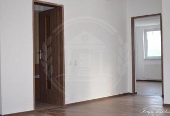 Vanzare apartament, 3 camere,  83 mp, decomandat, zona Europa