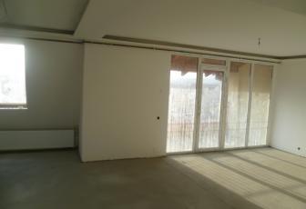 De Vanzare apartament 3 camere  in constructie noua, parcare, 110 mp, semidecomandat, etaj 3/3 in Floresti, Floresti