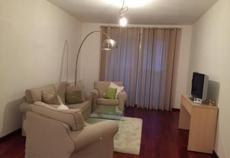 De Vanzare apartament 3 camere  , 80 mp, semidecomandat, etaj 4/4 in Floresti, Floresti
