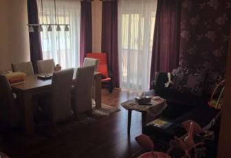 De Vanzare apartament 3 camere  , 85 mp, semidecomandat, etaj 2/2 in Floresti, Floresti
