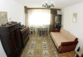 De Vanzare apartament 2 camere  , garaj, 50 mp, decomandat, etaj 1/2 in Floresti, Floresti