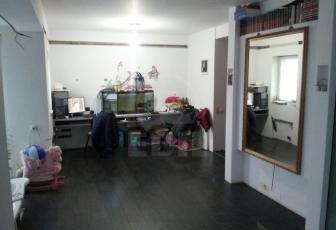 De Vanzare apartament 2 camere  , 54 mp, semidecomandat, etaj /4 in Floresti, Floresti