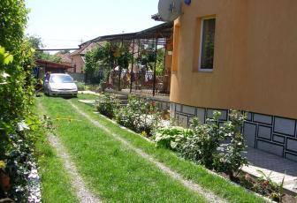 Casa de vanzare 3 camere  , parcare, 160 mp in Floresti, Floresti