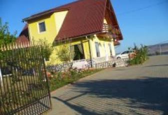 De Vanzare casa 6 camere  , parcare, 250 mp in Floresti, Floresti