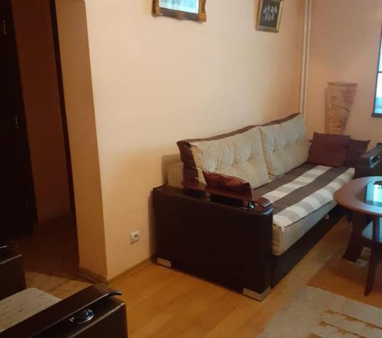 Inchiriere apartament 2 camere zona Podu Ros - imagine 1