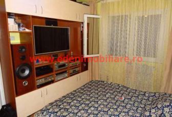 Apartament 3 camere de vanzare in Cluj, zona Manastur, 56000 eur