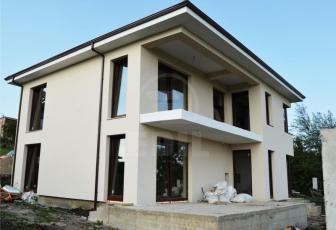 Casa 4 camere, Dambu Rotund