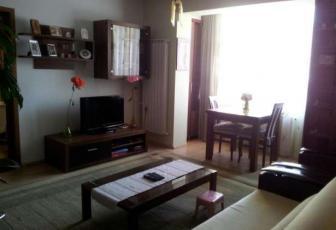 Apartament de vanzare, 3 camere, 70 mp, zona strazii Eroilor, Floresti
