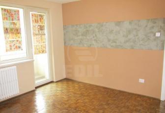 De Vanzare  apartament 2 camere  , 44 mp, semidecomandat, etaj 2/4 Central, Central