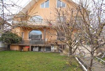 Casa individuala cu front la 2 strazi