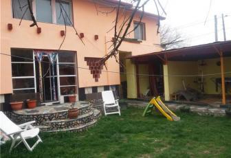 Vanzare casa ideala pentru 2 familii in cartierul Bulgaria