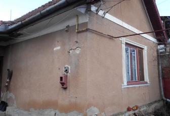 Vanzare casa veche cu teren 400 mp in Iris