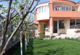 Vanzare vila deosebita finisata in Dambul Rotund