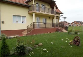 Casa de vanzare cu 400 mp de teren in Someseni!