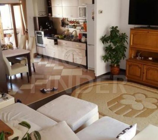 Apartament cu 3 camere în vila, Manastur, zona Campului