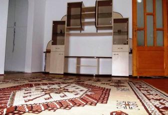 Apartament de 2 camere semidecomandat strada Unirii