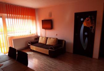 Apartament de vanzare, 3 camere, 70 mp, zona strazii Iazului, Floresti