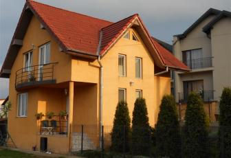 Casa de inchiriat ideala locuinta, strada asfaltata