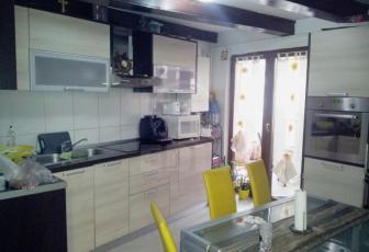 Apartament 2 camere  de vanzare , 48 mp, decomandat, etaj mansarda/2 Central, Central