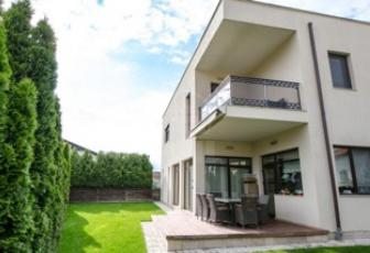 Casa de vanzare 4 camere  in constructie noua, parcare, 290 mp in Floresti, Floresti